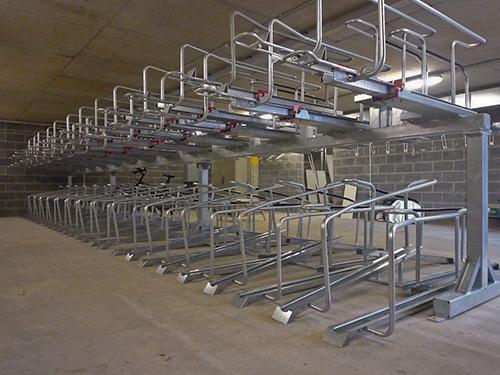 Parcheggi per bici a due piani